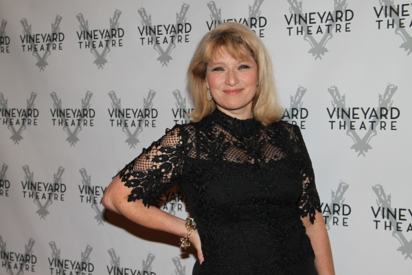 Liz Larsen at Vineyard Gala Honors Linda Lavin