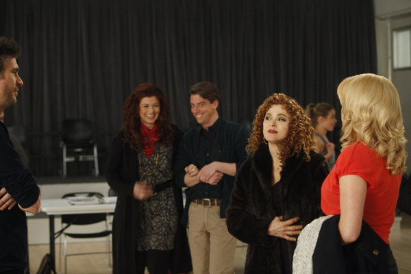 "SMASH -- ""The Workshop"" Episode 107 -- Pictured: (l-r) Jack Davenport as Derek Wills, Debra Messing as Julia Houston, Christian Borle as Tom Levitt, Bernadette Peters as Leigh Conroy, Megan Hilty as Ivy Lynn -- (Photo by: Will Hart/NBC)"