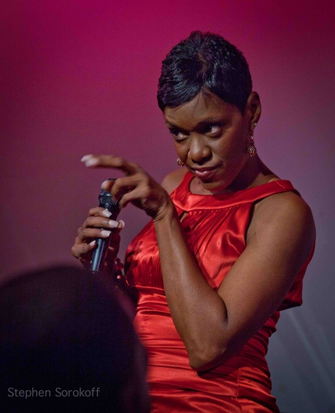 Photo Coverage: Tanya Holt Plays The Metropolitan Room