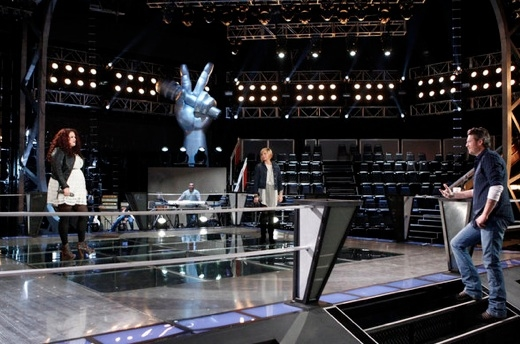 Erin Willet, Gwen Sebastian & Blake Shelton at First Look - Alanis Morissette Mentors on NBC's THE VOICE, 3/19