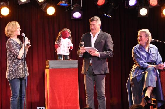 Rebecca Luker, Bryan Batt, Lorna Kelly and The Mary Poppins Bear Photo