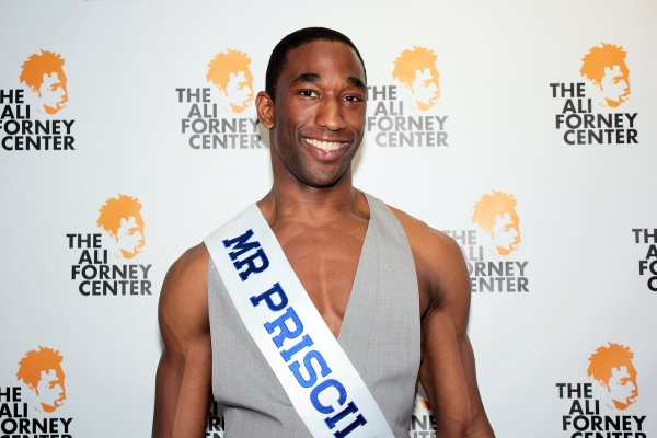 Photo Coverage: 2012 Broadway Beauty Pageant Arrivals! Tovah Feldshuh & More