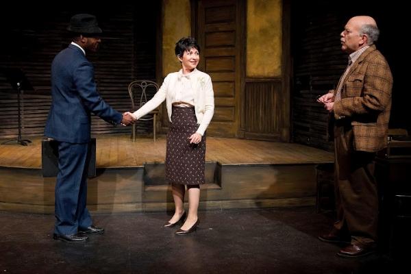 Royce Johnson as Luigi Wells, Janice Hall as Helen Hollewinski and Scott Robertson as George Hollewinski