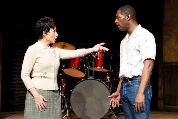 Royce Johnson as Luigi Wells, Janice Hall as Helen Hollewinski