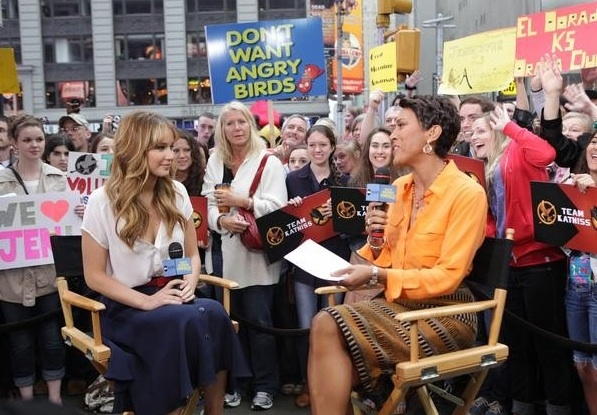 Jennifer Lawrence & Robin Roberts at THE HUNGER GAMES Jennifer Lawrence on 'Good Morning America'