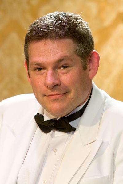 Philip Nolen as Victor Prynne Photo
