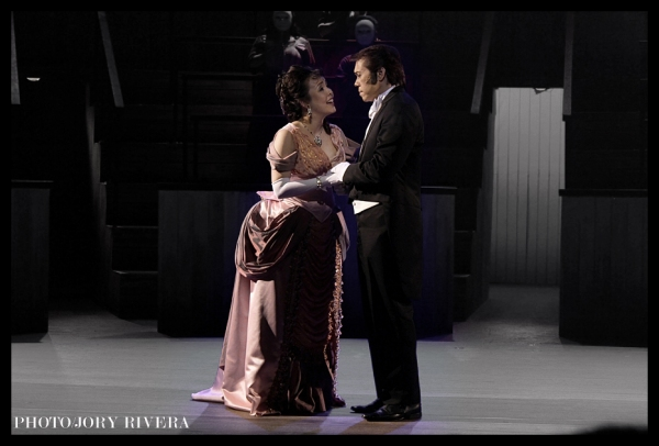 Cris Villonco, Michael Williams