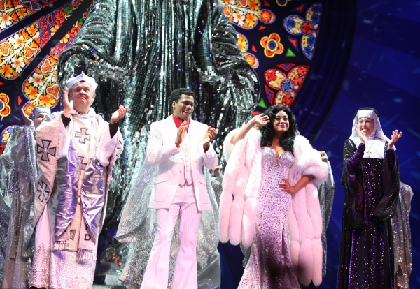 3 at Raven-Symone Takes Debut Bow in SISTER ACT