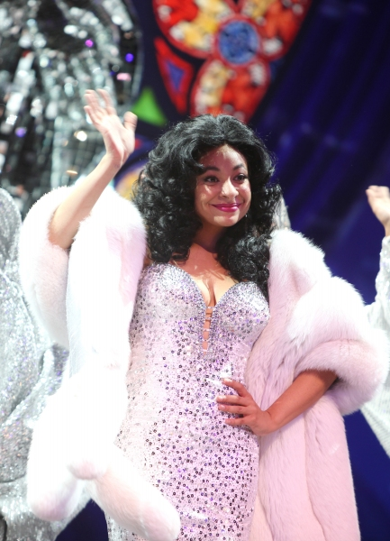 Photo Coverage: Raven-Symone Takes Debut Bow in SISTER ACT