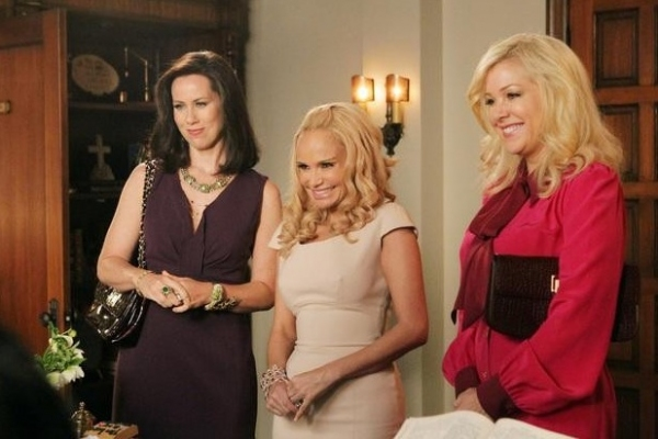 Miriam Shor, Kristin Chenoweth & Jennifer Aspen at Sneak Peek - GCB 'Sex is Divine' Episode, 4/8