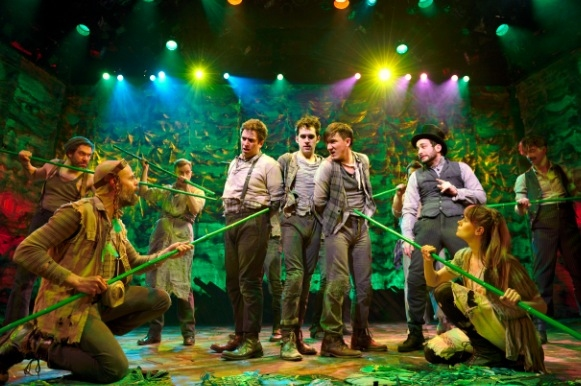 Photo Flash: PETER AND THE STARCATCHER Begins Broadway Performances