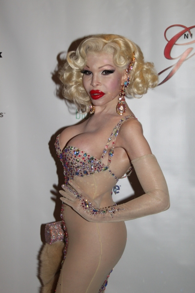 Photos: Night of 1000 Gowns Red Carpet!