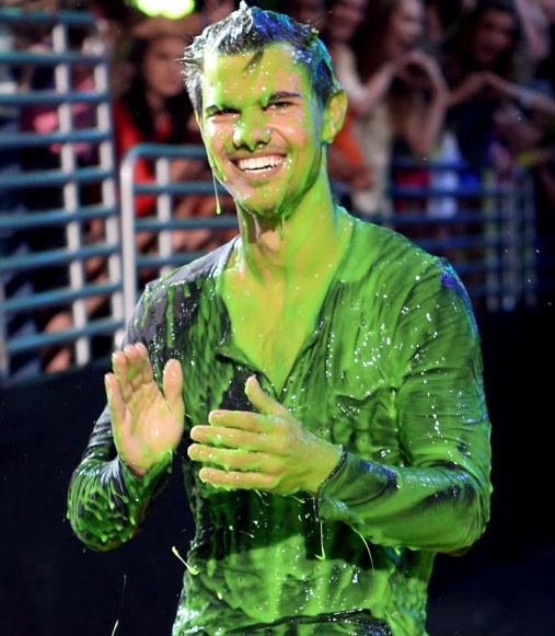 Taylor Lautner at Nickelodeon's 2012 KID'S CHOICE AWARDS