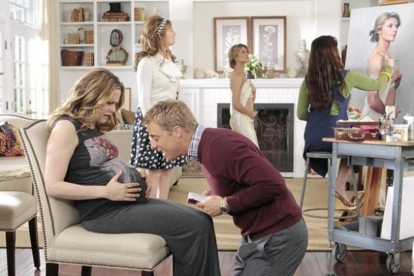 Alicia Silverstone, Ana Gasteyer, Alan Tudyk & Gillian Vigman at Sneak Peek - Alicia Silverstone Guest Stars on ABC's SUBURGATORY, 4/18