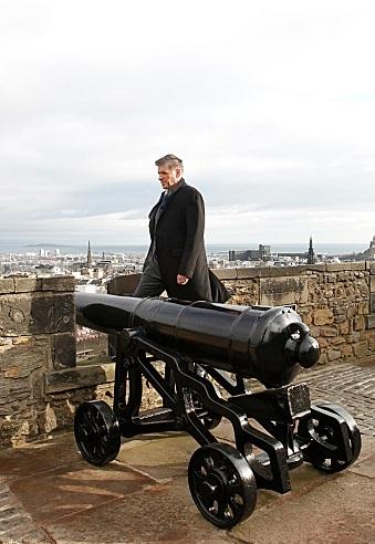 Craig Ferguson at First Look - Mila Kunis et al Join CRAIG FERGUSON in Scotland, Beg. 5/14