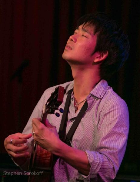 Jake Shimabukuro Photo