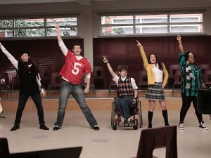 SOUND-OFF-GLEE-Goes-Disco-20010101