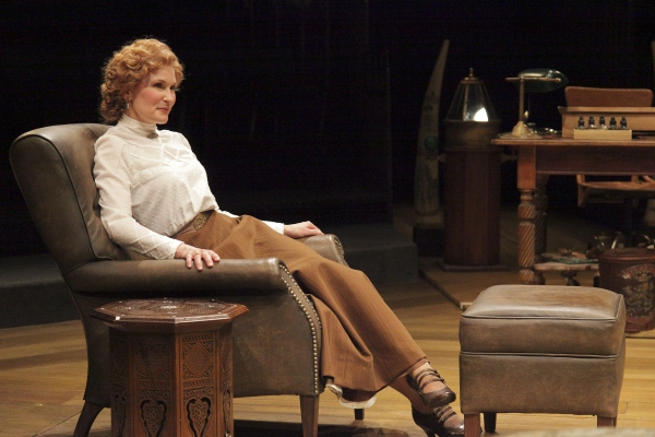 Kathleen McCall  at BWW Reviews: Denver Center's HEARTBREAK HOUSE - Enchanting Performances