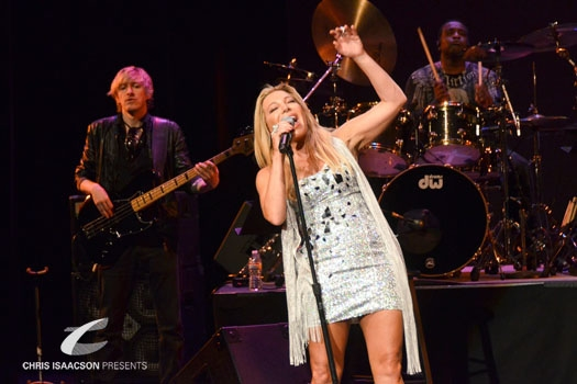 Photo Coverage: Pop Star TAYLOR DAYNE Shares All in 'Tell It To My Heart'