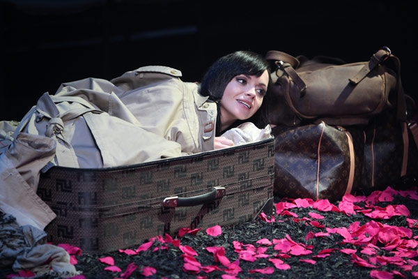 Photo Flash: First Look at Christina Ricci & Bebe Neuwirth in CSC's A MIDSUMMER NIGHT'S DREAM