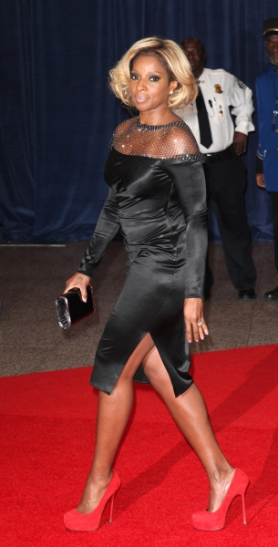 Mary J. Blige at Viola Davis, Daniel Radcliffe, et al. at 98th Annual White House Correspondents' Association Dinner
