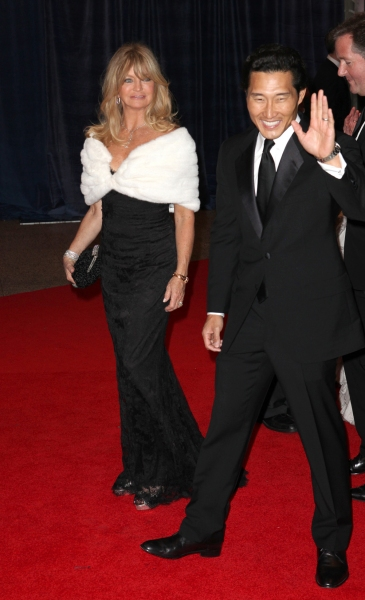 Goldie Hawn & Daniel Dae Kim at Viola Davis, Daniel Radcliffe, et al. at 98th Annual White House Correspondents' Association Dinner