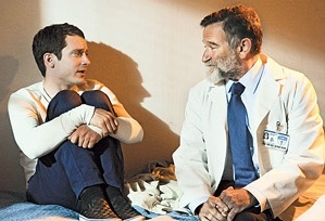 Photo Flash: First Look - Robin Williams Guest Stars on WILFRED