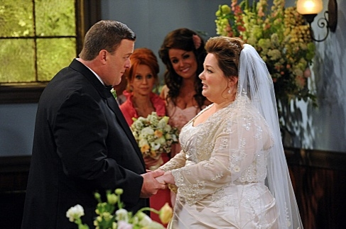 Billy Gardell & Melissa McCarthy at First Look - 'The Wedding' on CBS's MIKE & MOLLY