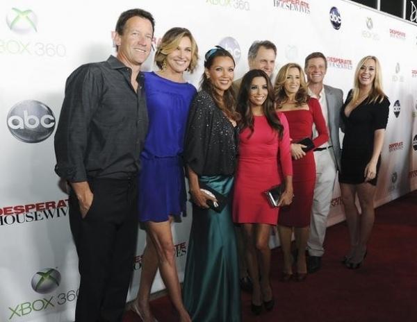 James Denton, Brenda Strong, Vanessa Williams, Eva Longoria, Mark Moses, Felicity Huffman, Doug Savant & Andrea Bowen