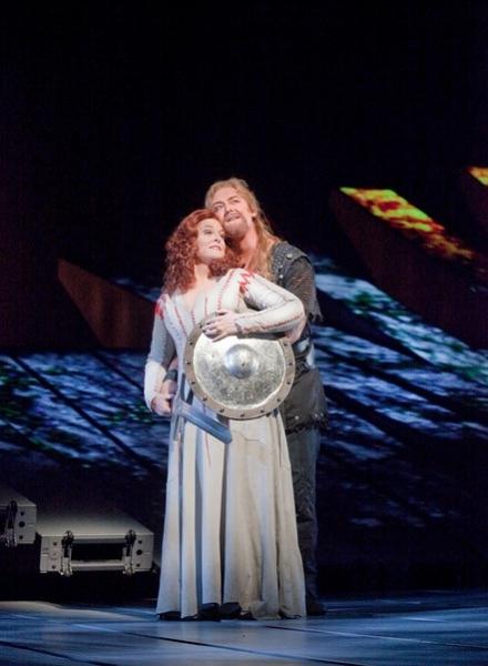 Deborah Voigt as Brunnhilde and Jay Hunter Morris as Siegfried in Wagner's Gotterdammerung