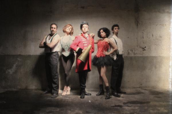Albert Doz, Laura Olivella, Xavi Duch, Elena Gadel y Pau Doz at Primeras imágenes de 'A For�a de Can�ons'