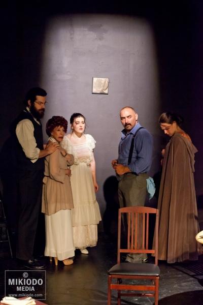 Mateo Prendergast, Linda Glick, Maurya Scanlon, Andrew Criss and Emily Ciotti Photo