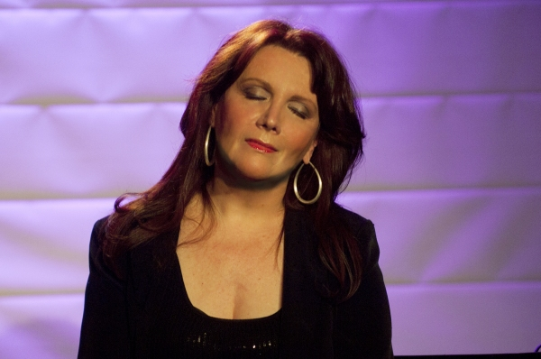 Photo Flash: Maureen McGovern Plays the RRazz Room