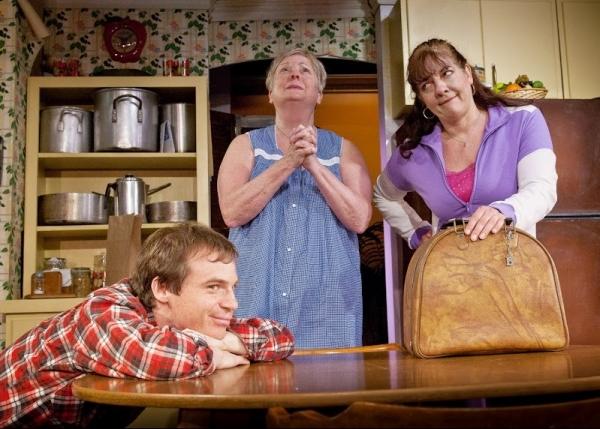 Rusty Ross (Jimmy Nowak), Peggy Cosgrave (Clara Nowak), Liz Zazzi (Beverly Nowak
