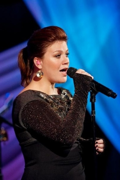 Kelly Clarkson at First Look - ABC's New Music Competition DUETS, Premiering 5/24