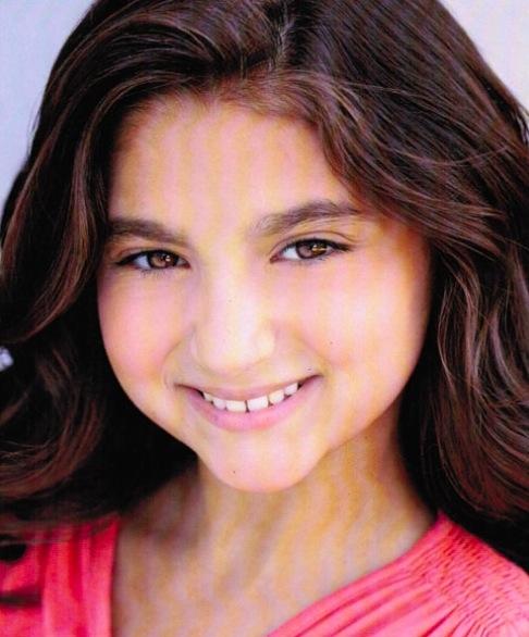 Analise Scarpaci, Age 12, as Uzo