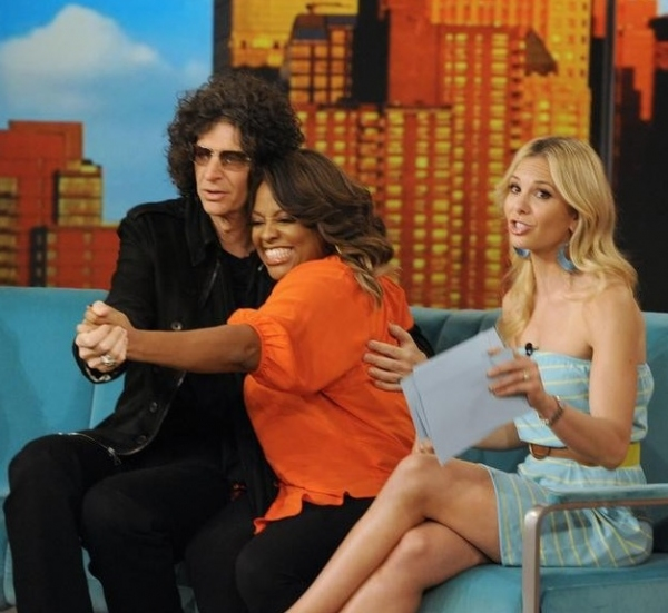 Howard Stern, Sherri Shepherd & Elisabeth Hasselbeck at Howard Stern Visits THE VIEW