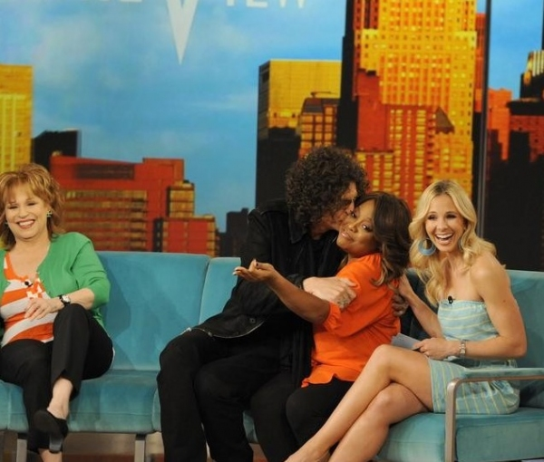 Joy Behar, Howard Stern, Sherri Shepherd & Elisabeth Hasselbeck at Howard Stern Visits THE VIEW