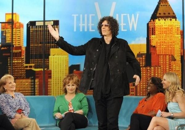 Barbara Walters, Joy Behar, Howard Stern, Sherri Shepherd & Elisabeth Hasselbeck at Howard Stern Visits THE VIEW
