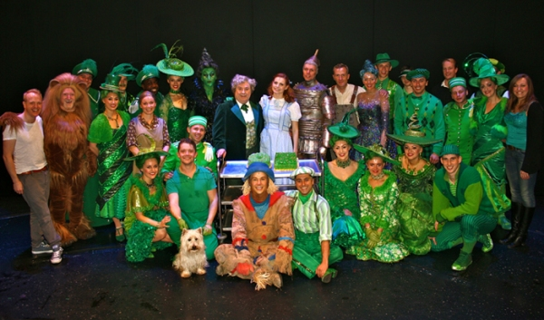 Photo Flash: WIZARD OF OZ Celebrates 500th Performance!