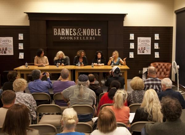 The Ladies - Michele Lee, Connie Stevens, Lainie Kazan, Barbara Van Orden and Patty Farmer