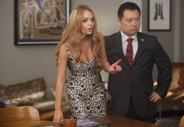 "GLEE: Nationals judges Lindsay Lohan (guest-starring as herself, L) and Martin (guest star Rex Lee, R) have a discussion in the second hour of a special two-hour ""Props/Nationals"" episode of GLEE airing Tuesday, May 15 (8:00-10:00 PM ET/PT) on F"