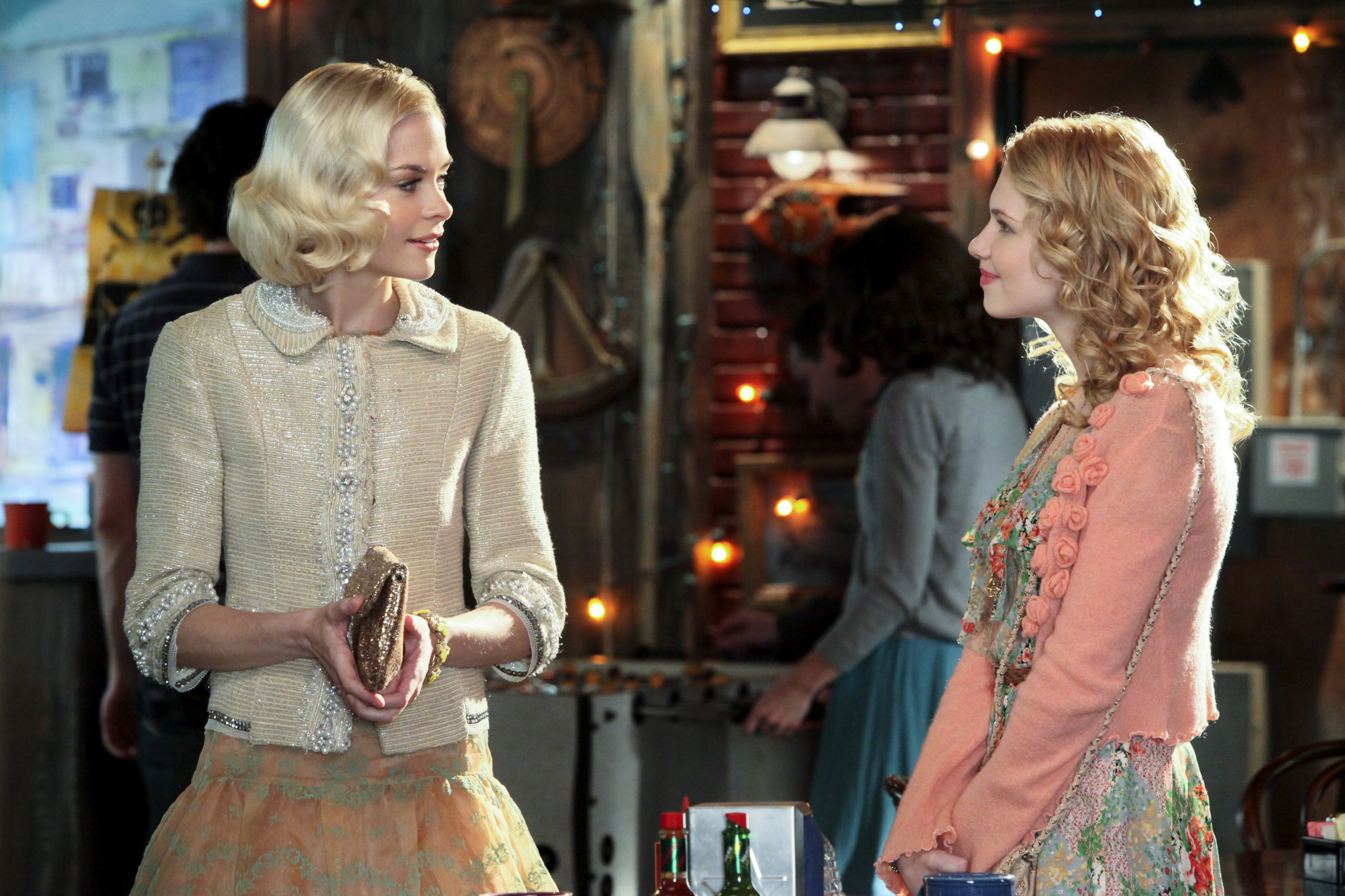 HART OF DIXIE's Claudia Lee Reacts to The CW's Series Renewal