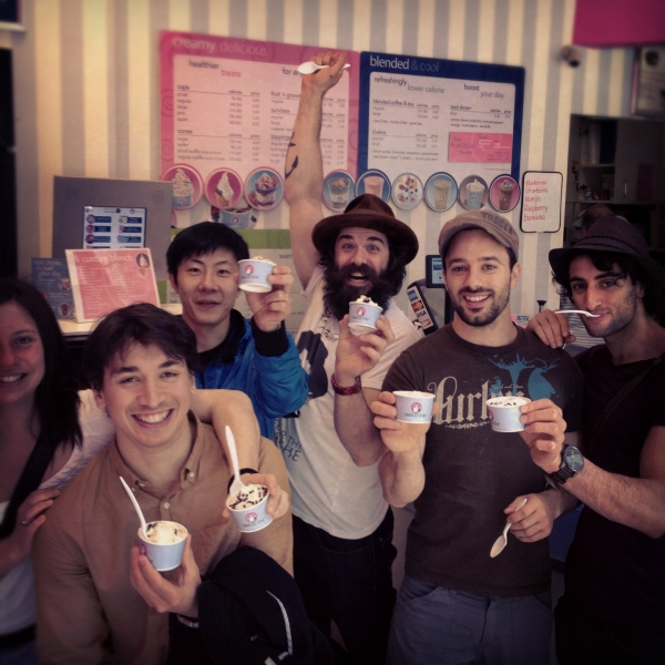 Photo Flash: TRACES Cast Visits Tasti D-Lite!