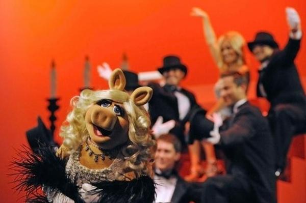 Miss Piggy & Contestants