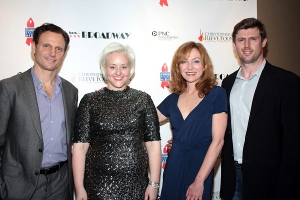 Tony Goldwyn, Sarah Galli, Julie White, Matthew Reeve