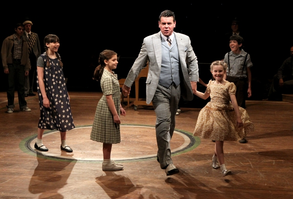 Jamie Goodson as Gracie Shinn, Mia Alessandra Goodman, Burke Moses as Harold Hill, Heidi Kaplan as Amaryllis and Colin J. Cech in Arena Stage at the Mead Center for American Theater