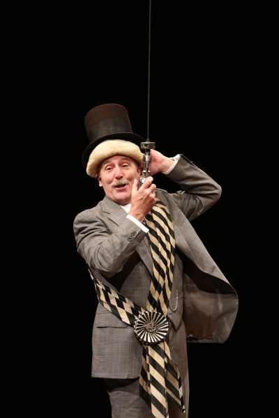John Lescault as Mayor Shinn in Arena Stage at the Mead Center for American Theaterà Photo