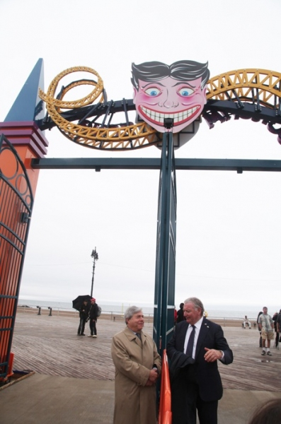 Photo Flash: BP Markowitz, Mayor Bloomberg & Tony Danza Welcome Summer at Coney Island