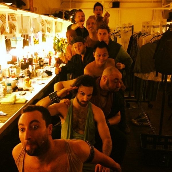 Photos: Memorial Day Weekend Saturday Intermission Pics - NEWSIES, JERSEY BOYS, West End's THE 39 STEPS and More!